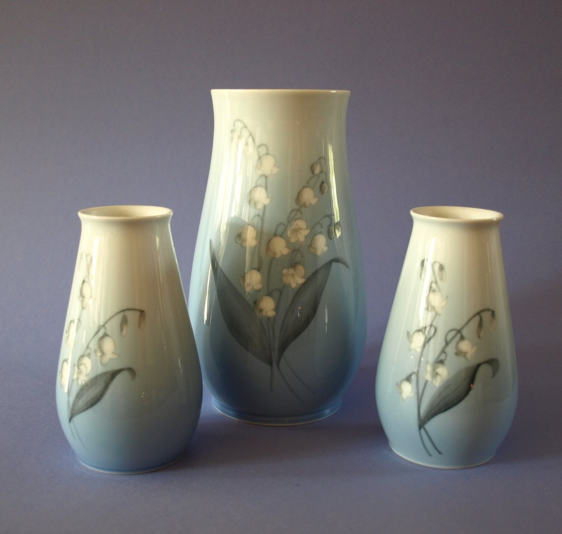 vasenpaar bing gr ndahl royal copenhagen maigl ckchen formsch n. Black Bedroom Furniture Sets. Home Design Ideas